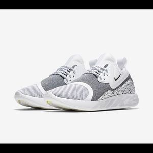 New in box Nike Lunarcharge Essential